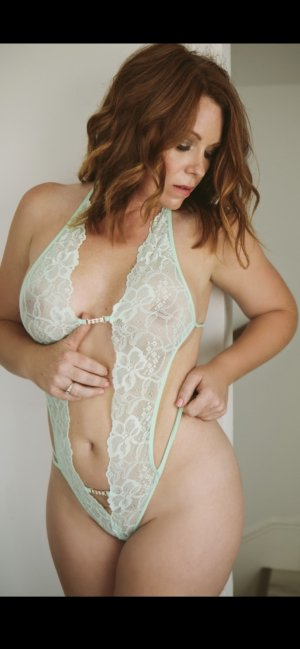Wilma escort girl in Altamont OR