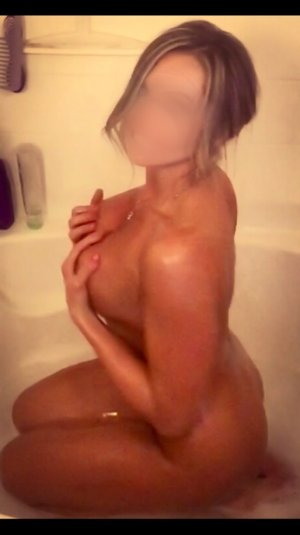 Anthea live escort