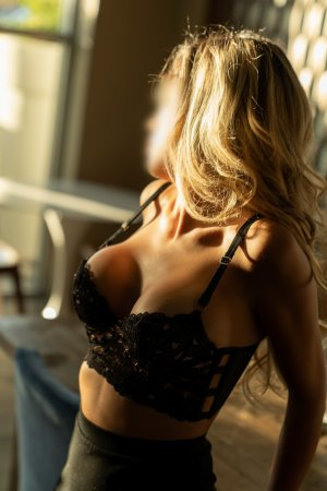Tessie escorts