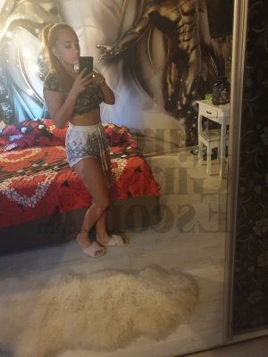 Chemssy escort girl in Royse City