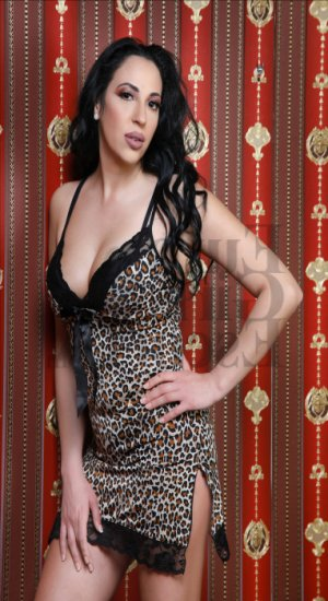 Monia live escort in Alcoa